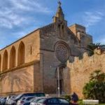 Why Mallorca's walled town of Alcudia is worthy of a visit?