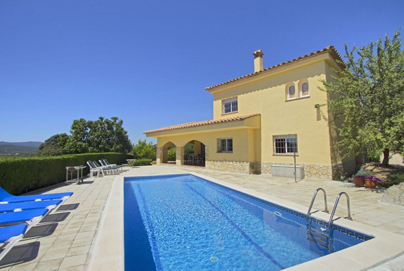 Holiday home playa d 39 aro costa brava villa spain for rent mi casa - Casa rural costa brava playa ...
