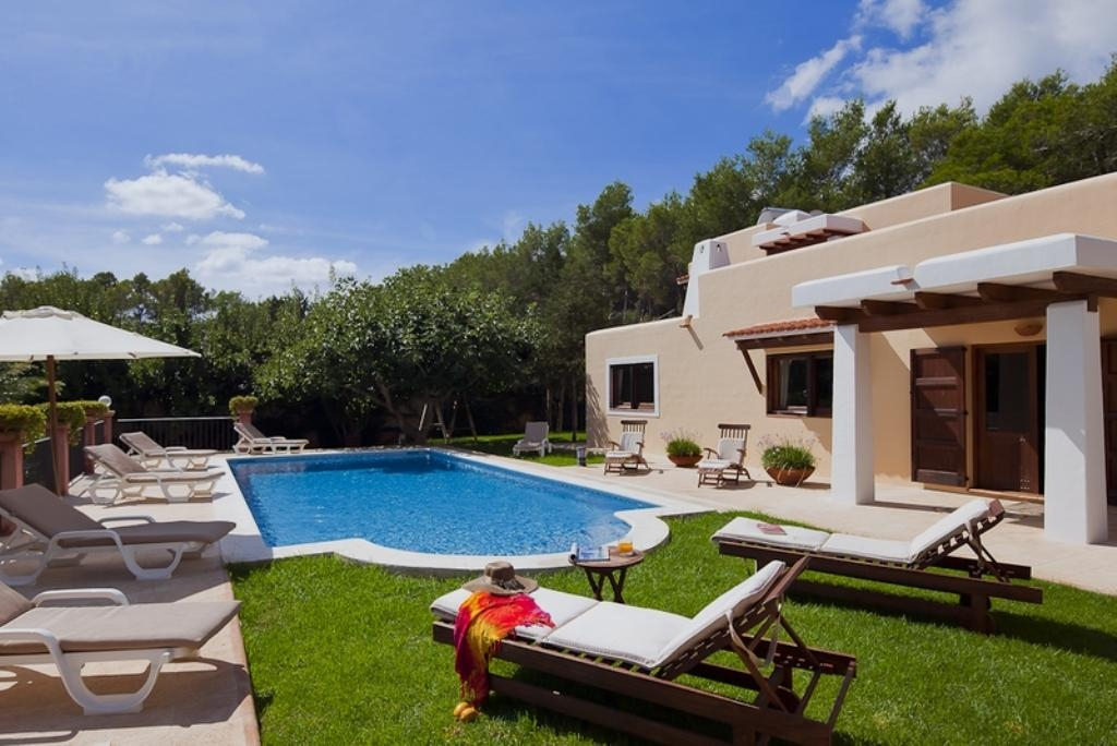 holiday home san carlos ibiza villa spain for rent milhouse. Black Bedroom Furniture Sets. Home Design Ideas