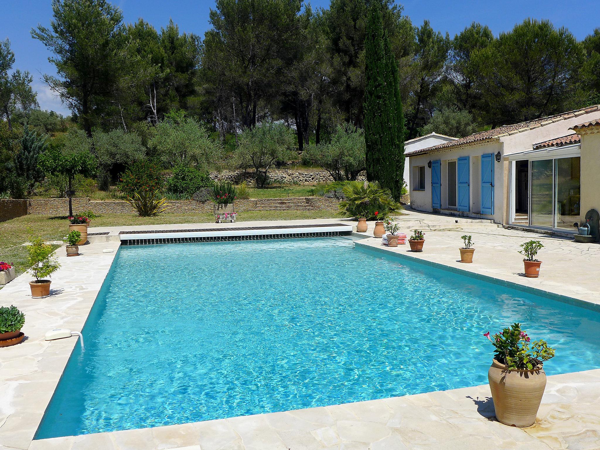 location villa le beausset saint anne d 39 evenos cote d 39 azur maison france calhoun. Black Bedroom Furniture Sets. Home Design Ideas