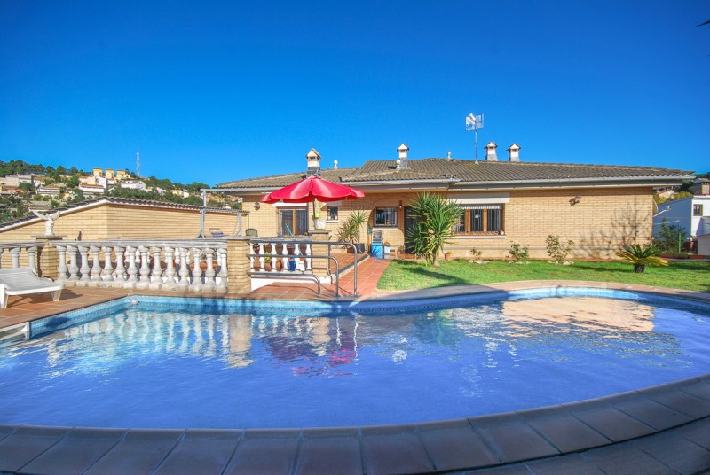 Location villa vidreres costa brava maison espagne for Location maison costa brava piscine